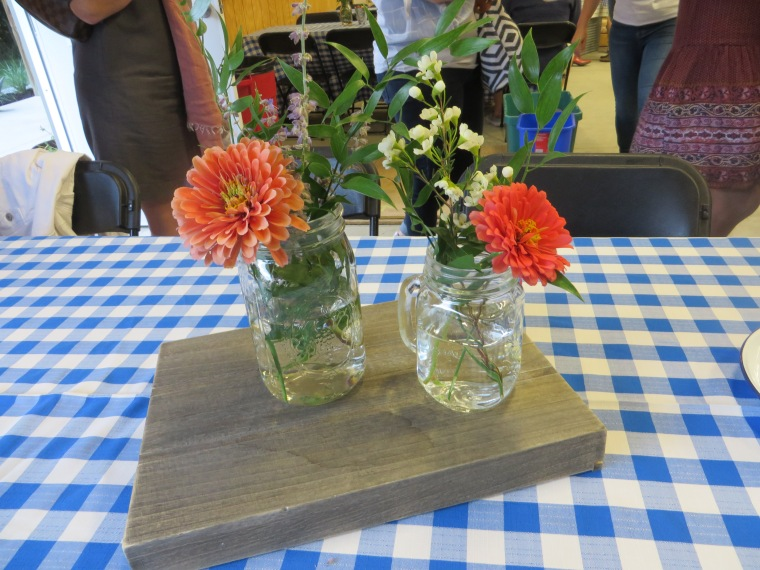 2017-08-04-BootsBelles Table Arrangement 1